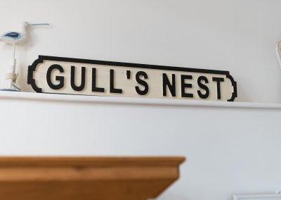 Master bedroom Gull's Nest sign