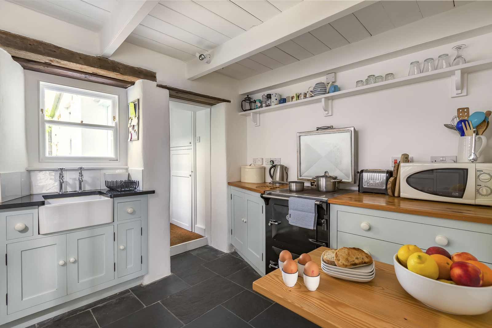 gulls-nest-kitchen