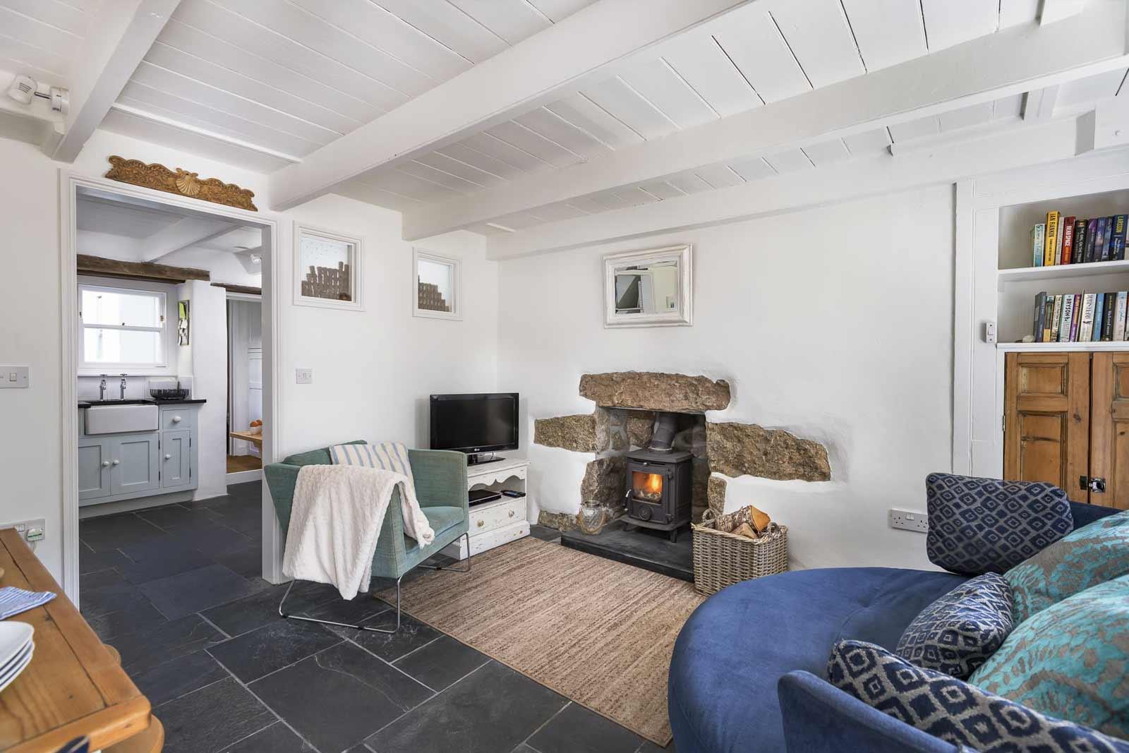 gulls-nest-living-room