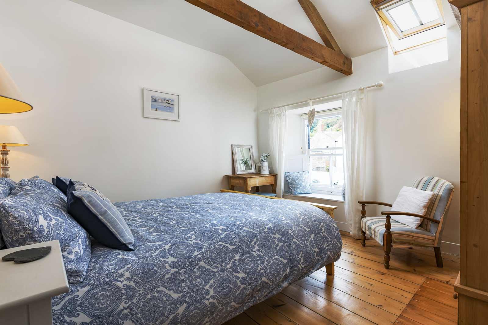 gulls-nest-master-bedroom-1