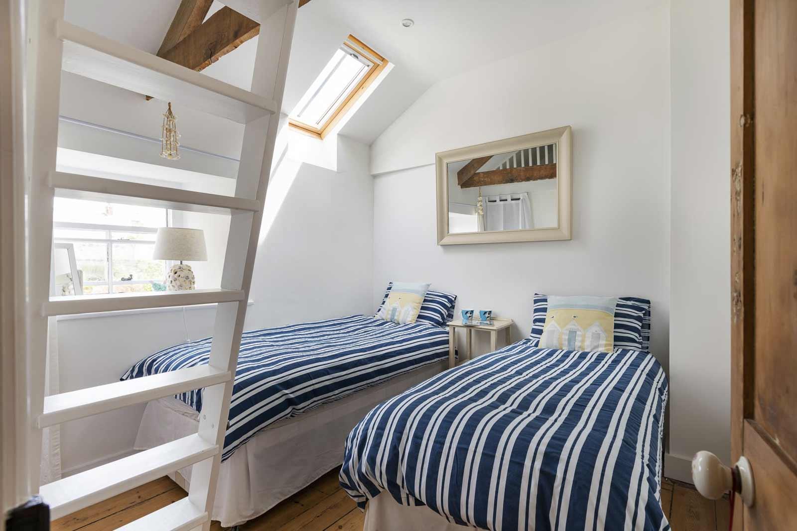 gulls-nest-twin-bedroom